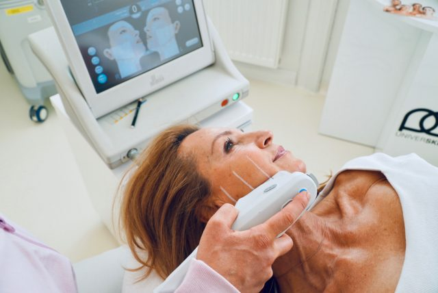 Ultherapy®: Mit Ultraschall gegen schlaffe Haut